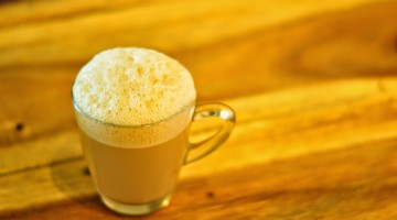 TEH TARIK PLACE LEADS THE TOAST TO MALAYSIA'S MUHIBAH SPIRIT WITH  A FROTHY GLASS OF TEH TARIK