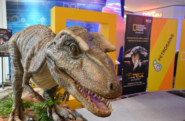 NATIONAL GEOGRAPHIC CHANNEL AND PETROSAINS HOST  SPECIAL SCREENING OF T.REX AUTOPSY
