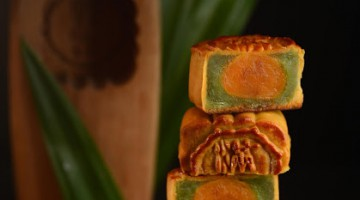 RENAISSANCE HARBOUR VIEW HOTEL HONG KONG CELEBRATES THE MID-AUTUMN FEATIVAL WITH NEW FLAVOUR MOONCAKES AND EXQUISITE HAMPERS
