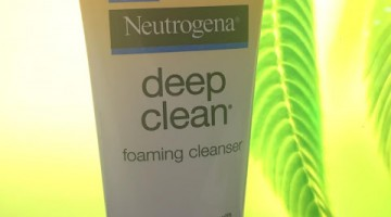 Cleanser Review: Neutrogena Deep Clean Foaming Cleanser