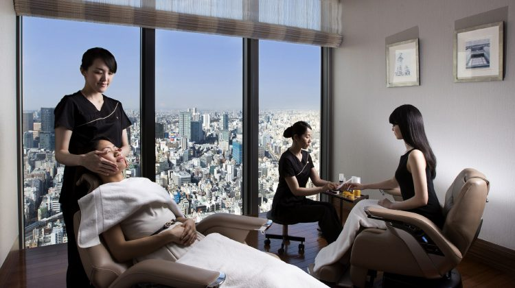 MANDARIN ORIENTAL, TOKYO LAUNCHES CHRISTIAN LOUBOUTIN NAIL COLOURS AND TREATMENTS