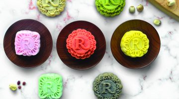 Mooncakes for the Mid -Autumn Festival at Dynasty Restaurant, Renaissance Kuala Lumpur Hotel