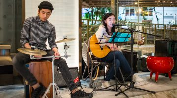 Experience a Vibrant Evening Every Wednesday at Dorsett Wanchai, At 'Dorsett Wine Hour' Meet Local Artists Open-stage and More Priceless Delights